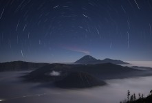 브로모 화산의 별밤